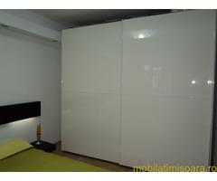 Vand Mobila Lux  bucatarie si dormitor