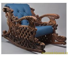 Balansoar din lemn de nuc sculptat manual